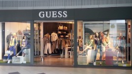 Guess Jeans | Centro Comercial Aqua Multiespacio